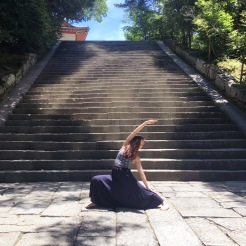 KrisYoga - Travel Yoga, Warrior 2, Kyoto