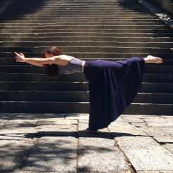 KrisYoga - Trave Yoga, Warrior 3, Kyoto